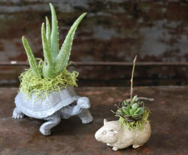 Garden Crafts to Make and Sell - Easy Crafts To Sell - DIY Plastic Animal Planters Handmade Planter for Sale - Easy Things to Make and Sell for Profit - Best Selling Etsy Shop Ideas You Can Make With Cheap Supplies