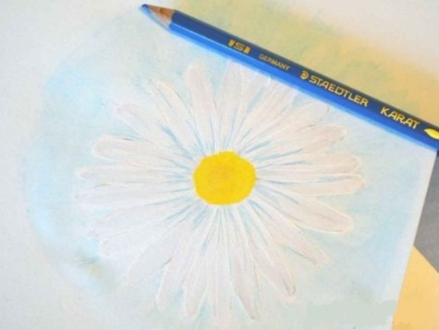 How To Paint Flowers - How To Paint A Daisy - Step by Step Tutorials for Painting Roses, Daisies, Whimsical and Abstract Floral Techniques - Easy Acrylic Flower Tutorial for Beginners - Paint on Wood, Canvas, On Wasll, Rocks, Fabric and Paper - Step by Step Instructions and How To #painting #diy
