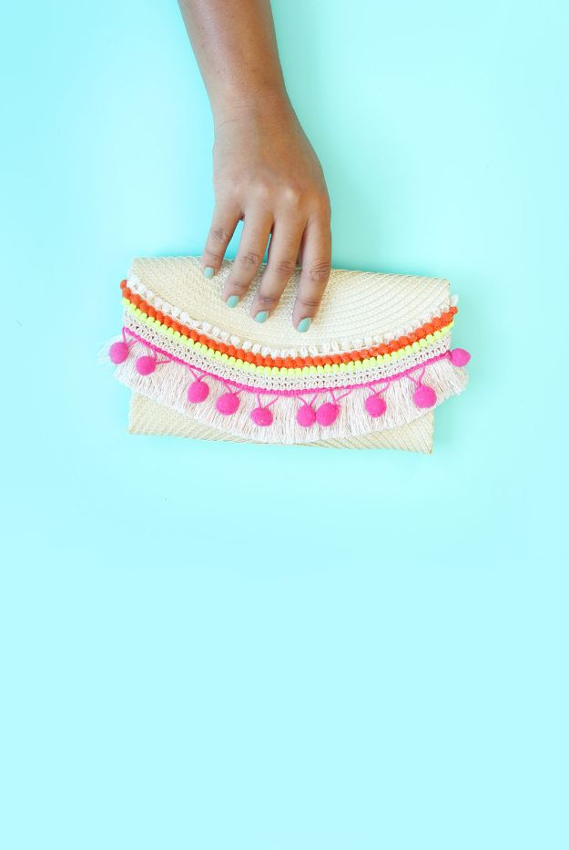 No Sew DIY Fashion Ideas - No-Sew DIY Placemat Clutch - Easy No Sew Projects to Make for Clothes, Shirts, Jeans, Pants, Skirts, Kids Clothing No Sewing Project Ideas