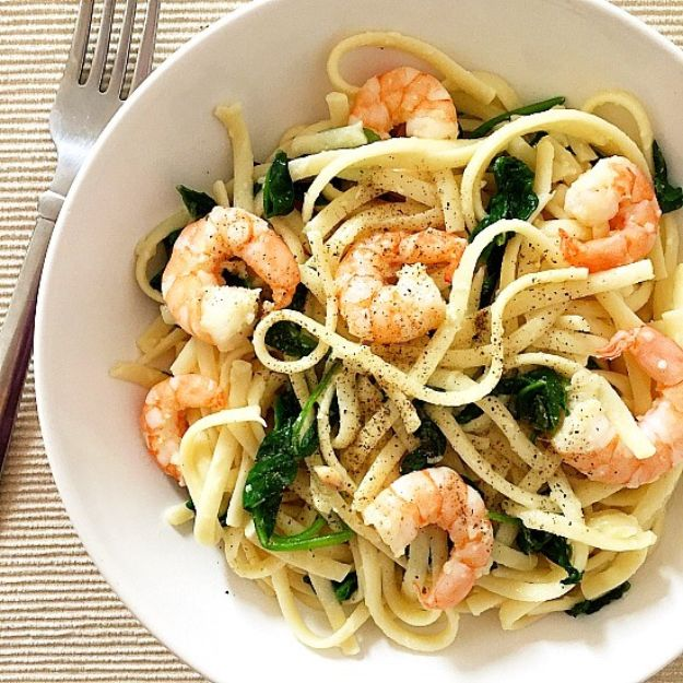 Shrimp Recipes - Pasta with Shrimp and Spinach - Healthy, Easy Recipe Ideas for Dinner Using Shrimp - Grilled, Creamy Baked Pasta, Fried, Spicy Asian Style, Mexican, Sauteed Garlic