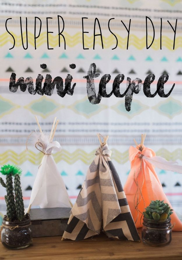 No Sew DIY Home Decor Ideas - Super Easy DIY Mini Teepee - Easy No Sew Projects to Make for Bedroom,. Kitchen, Bath - Crafts to Make and Sell, Blankets, No Sewing Project Ideas #nosew #diydecor #diygifts #homedecor