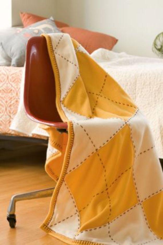 DIY Throw Blankets - Argyle Fleece Throw - How to Make Easy Throws and Blanket - Fleece Fabrics, No Sew Tutorial, Crochet, Boho, Fur, Cotton, Flannel Ideas #diyideas #diydecor #diy