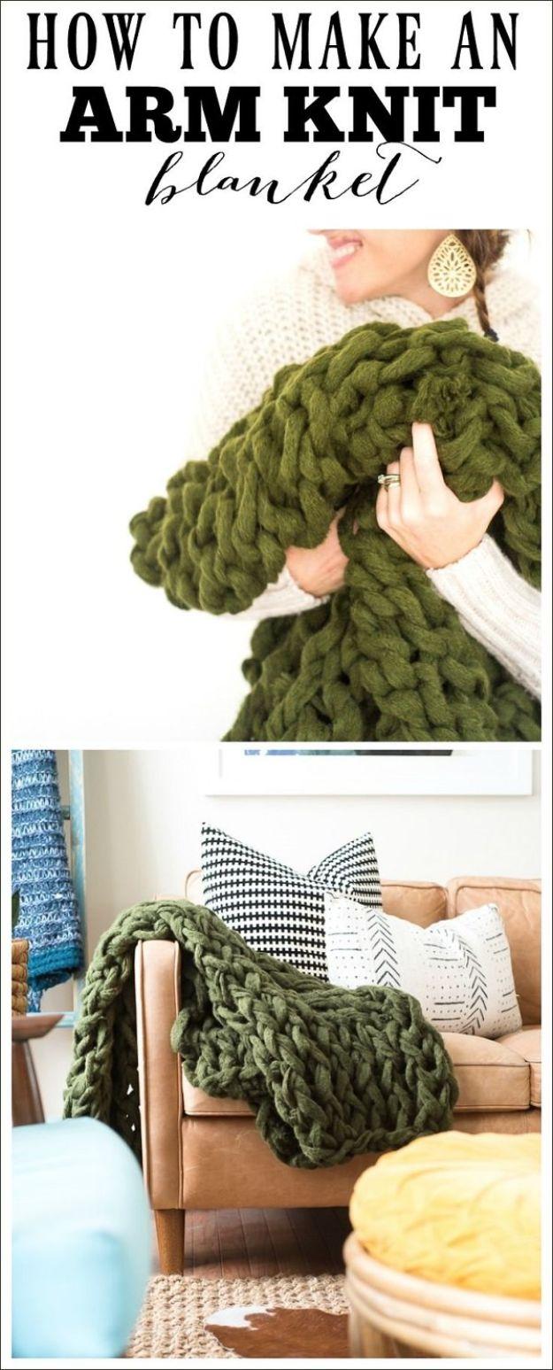 DIY Throw Blankets - Arm Knit Blanket - How to Make Easy Throws and Blanket - Fleece Fabrics, No Sew Tutorial, Crochet, Boho, Fur, Cotton, Flannel Ideas #diyideas #diydecor #diy