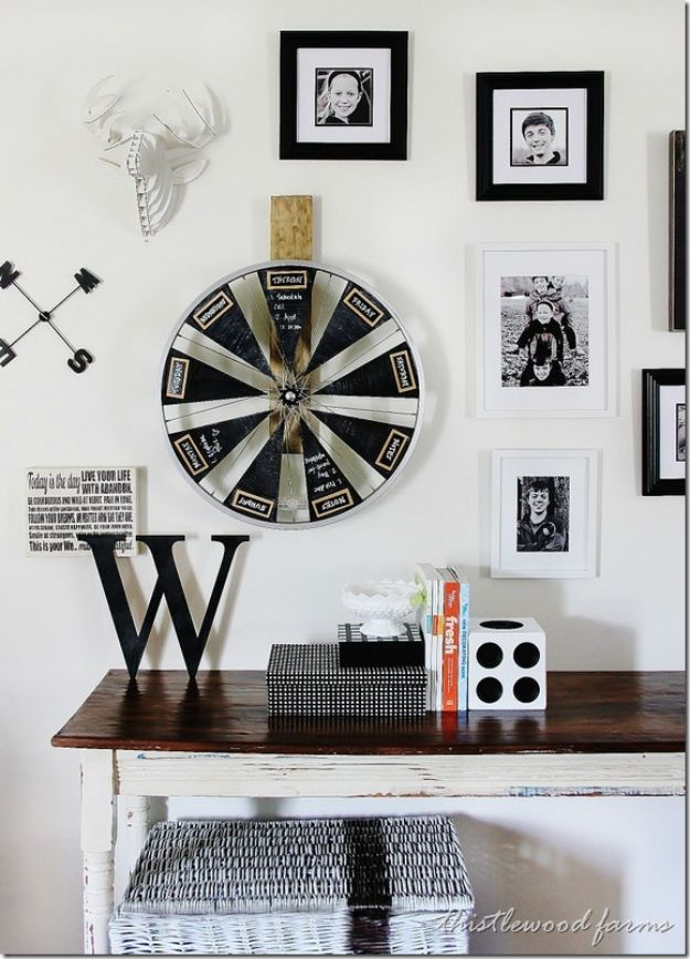 DIY Calendars - Bicycle Wheel Chalkboard Calendar - Homemade Calender Ideas That Make Great Cheap Gifts for Christmas - Desk, Wall and Glass Dry Erase Organizing Calendar Projects With Step by Step Tutorials - Paint, Stamp, Magnetic, Family Planner and Organizer #diycalendar #diyideas #crafts #calendars #organizing #diygifts http://diyjoy.com/diy-calendars