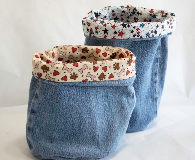 Blue Jean Upcycles - Blue Jean Buckets - Ways to Make Old Denim Jeans Into DIY Home Decor, Handmade Gifts and Creative Fashion - Transform Old Blue Jeans into Pillows, Rugs, Kitchen and Living Room Decor, Easy Sewing Projects for Beginners #sewing #diy #crafts #upcycle