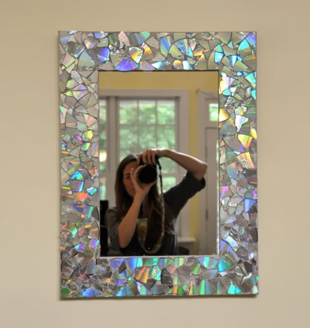 DIY Ideas With Old CD - CD Mirror - Recycle Jewelry, Room Decoration Mosaic, Coasters, Garden Art and DIY Home Decor Using Broken DVD - Photo Album, Wall Art and Mirror - Cute and Easy DIY Gifts for Birthday and Christmas Holidays