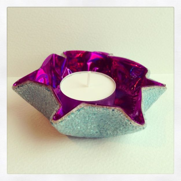 DIY Ideas With Old CD - CD Tealight Holder - Do It Yourself Crafts and Projects Using Old Compact Discs - Recycle Jewelry, Room Decoration Mosaic, Coasters, Garden Art and DIY Home Decor Using Broken DVD - Photo Album, Wall Art and Mirror - Cute and Easy DIY Gifts for Birthday and Christmas Holidays http://diyjoy.com/diy-ideas-old-cd-compact-disc