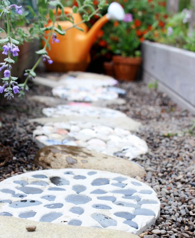 DIY Walkways - Cement Stepping Stones - Do It Yourself Walkway Ideas for Paths to The Front Door and Backyard - Cheap and Easy Pavers and Concrete Path and Stepping Stones - Wood and Edging, Lights, Backyard and Patio Walks With Gravel, Sand, Dirt and Brick http://diyjoy.com/diy-walkways