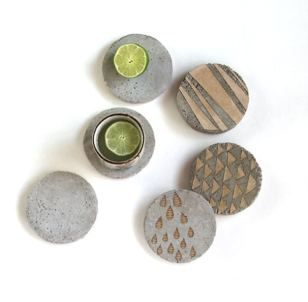 DIY Projects With Concrete - Concrete Coasters With Decorative Inserts - Easy Home Decor and Cheap Crafts Made With Cement - Ideas for DIY Christmas Gifts, Outdoor Decorations