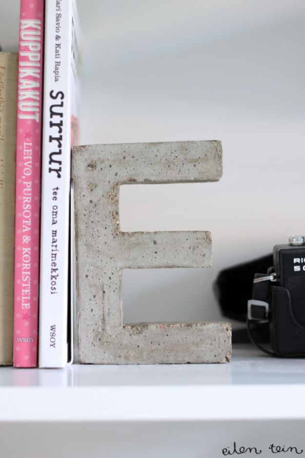 DIY Projects With Concrete - Concrete Monogram Bookends - Easy Home Decor and Cheap Crafts Made With Cement - Ideas for DIY Christmas Gifts, Outdoor Decorations