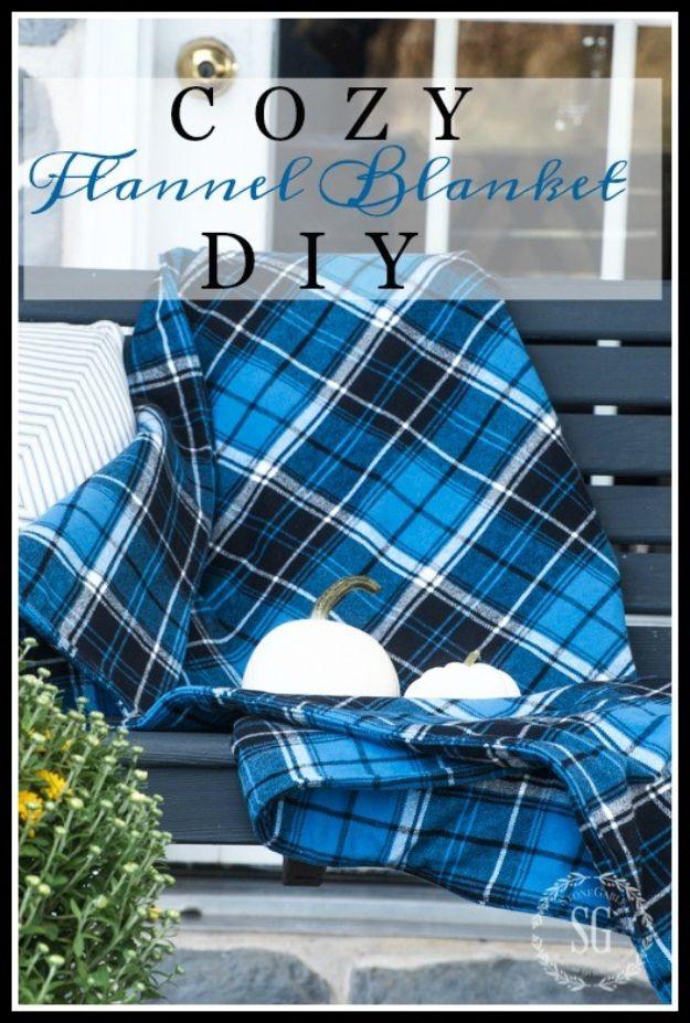 DIY Throw Blankets - Cozy Flannel Blanket DIY - How to Make Easy Throws and Blanket - Fleece Fabrics, No Sew Tutorial, Crochet, Boho, Fur, Cotton, Flannel Ideas #diyideas #diydecor #diy