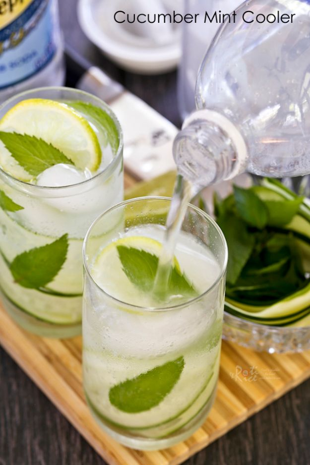 DIY Juice Recipes for Health, Detox and Energy - Cucumber Mint Cooler - Juicing for Beginners With Fruit and Vegetables - Recipe Ideas and Mixes for Juices That Promote Weightloss, Help With Inflammation, For Cancer, For Skin, Cleanse and for Fat Burning - Try These for Kids, for Breakfast, Lunch and Post Workout