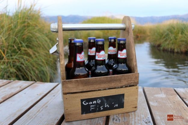 DIY Gifts for Him - DIY Beer Caddy - Homemade Gift Ideas for Guys - DYI Christmas Gift for Dad, Boyfriend, Husband Brother - Easy and Cheap Handmade Presents Birthday #diy #gifts #diygifts #mensgifts