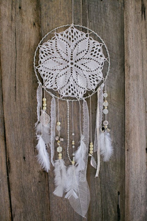 DIY Boho Decor Ideas - DIY Dreamcatcher - DIY Bedroom Ideas - Cheap Hippie Crafts and Bohemian Wall Art - Easy Upcycling Projects for Living Room, Bathroom, Kitchen #boho #diy #diydecor