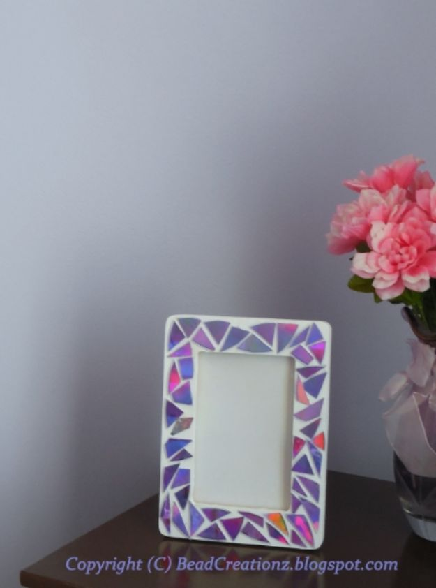 DIY Ideas With Old CD - DIY Faux Mosaic Frames - Do It Yourself Crafts and Projects Using Old Compact Discs - Recycle Jewelry, Room Decoration Mosaic, Coasters, Garden Art and DIY Home Decor Using Broken DVD - Photo Album, Wall Art and Mirror - Cute and Easy DIY Gifts for Birthday and Christmas Holidays