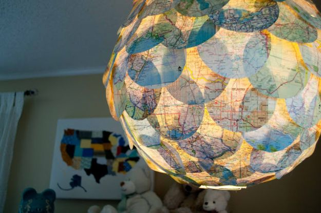 DIY Ideas With Maps - DIY Map Pendant - Easy Crafts, Home Decor, Art and Gifts Your Can Make With A Map - Pinboard, Canvas, Painting, Paper Flowers, Signs Projects