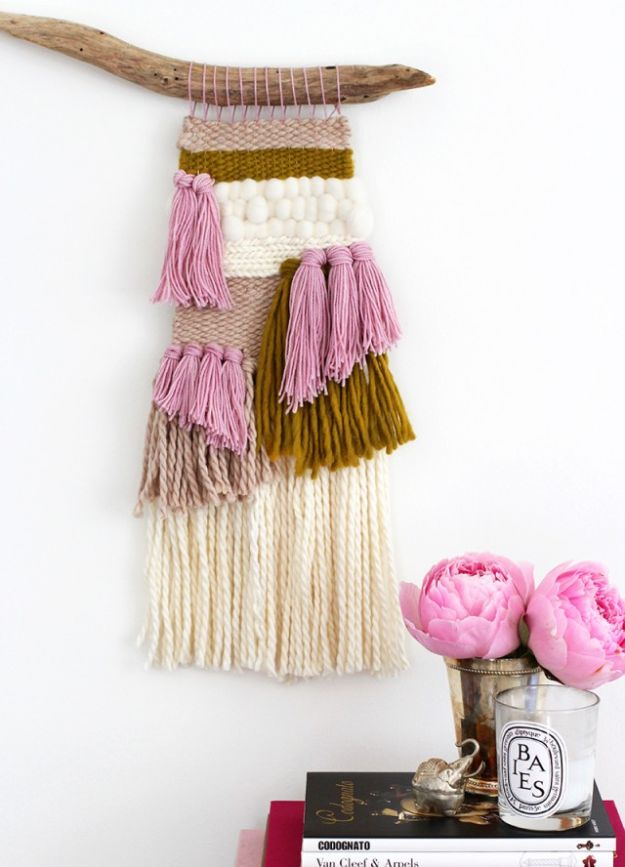 DIY Boho Decor Ideas - DIY Woven Wall Hanging - DIY Bedroom Ideas - Cheap Hippie Crafts and Bohemian Wall Art - Easy Upcycling Projects for Living Room, Bathroom, Kitchen #boho #diy #diydecor