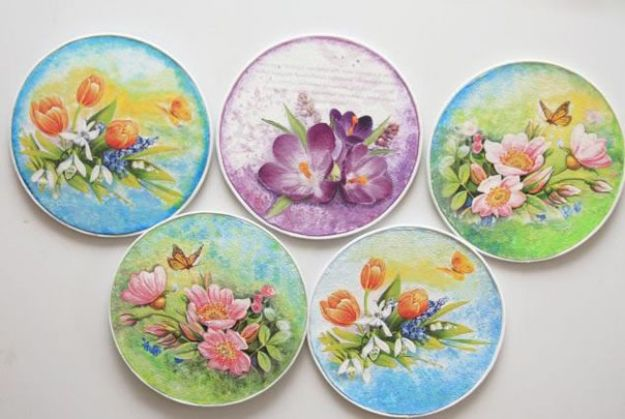 DIY Ideas With Old CD - Decoupaged CDs - Do It Yourself Crafts and Projects Using Old Compact Discs - Recycle Jewelry, Room Decoration Mosaic, Coasters, Garden Art and DIY Home Decor Using Broken DVD - Photo Album, Wall Art and Mirror - Cute and Easy DIY Gifts for Birthday and Christmas Holidays http://diyjoy.com/diy-ideas-old-cd-compact-disc