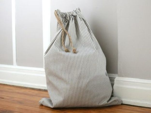DIY Sewing Projects for the Home - Drawstring Laundry Bag - Easy DIY Christmas Gifts and Ideas for Making Kitchen, Bedroom and Bathroom Decor - Free Step by Step Tutorial to Sew