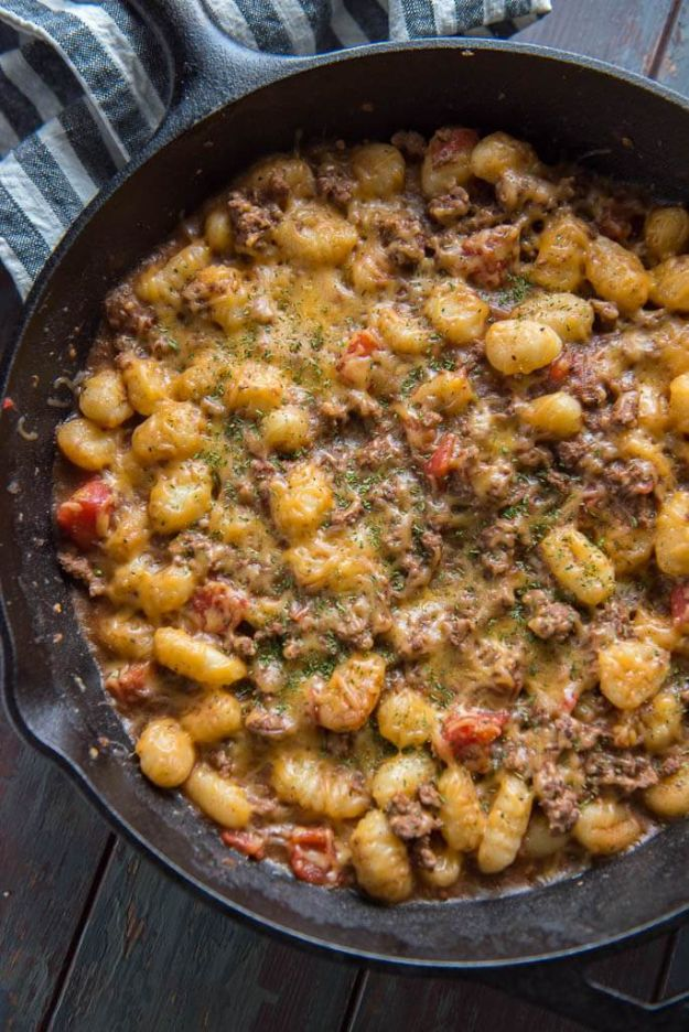 Best Recipes With Ground Beef - Easy Cheeseburger Gnocchi Skillet - Easy Dinners and Ground Beef Recipe Ideas - Quick Lunch Salads, Casseroles, Tacos, One Skillet Meals - Healthy Crockpot Foods With Hamburger Meat - Mexican Casserole, Instant Pot Carne Molida, Low Carb and Keto Diet - Rice, Pasta, Potatoes and Crescent Rolls #groundbeef #beefrecipes #beedrecipe #dinnerideas #dinnerrecipes http://diyjoy.com/best-recipes-ground-beef
