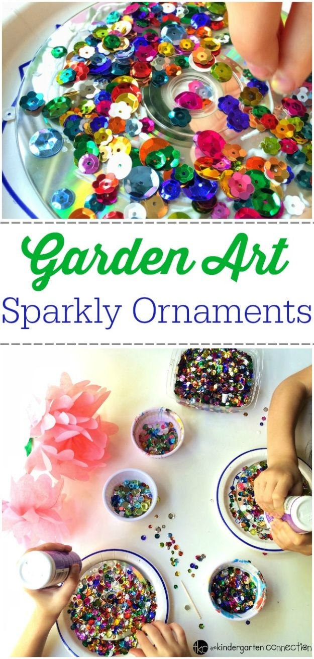 DIY Ideas With Old CD - Garden Art Sparkly Ornaments - Recycle Jewelry, Room Decoration Mosaic, Coasters, Garden Art and DIY Home Decor Using Broken DVD - Photo Album, Wall Art and Mirror - Cute and Easy DIY Gifts for Birthday and Christmas Holidays