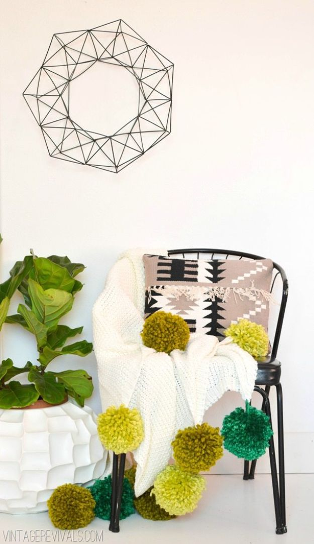 DIY Throw Blankets - Giant Ombre Pom Pom Blanket - How to Make Easy Throws and Blanket - Fleece Fabrics, No Sew Tutorial, Crochet, Boho, Fur, Cotton, Flannel Ideas #diyideas #diydecor #diy