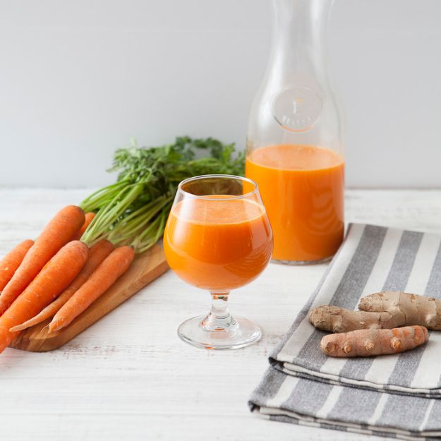 DIY Juice Recipes for Health, Detox and Energy - Ginger Carrot Orange Juice - Juicing for Beginners With Fruit and Vegetables - Recipe Ideas and Mixes for Juices That Promote Weightloss, Help With Inflammation, For Cancer, For Skin, Cleanse and for Fat Burning - Try These for Kids, for Breakfast, Lunch and Post Workout