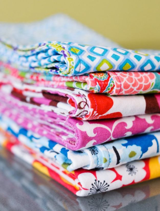 DIY Sewing Projects for the Home - Homemade Cloth Napkins - Easy DIY Christmas Gifts and Ideas for Making Kitchen, Bedroom and Bathroom Decor - Free Step by Step Tutorial to Sew