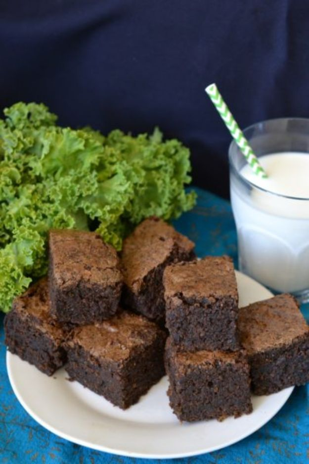 Best Kale Recipes - Kale Brownies - How to Cook Kale at Home - Healthy Green Vegetable Cooking for Salads, Soup, Lunches, Stir Fry and Dinner - Kale Chips. Salad, Shredded, Cooked, Fresh and Sauteed Kale - Vegan, Vegetarian, Keto, Low Carb and Lowfat Recipe Ideas #kale #kalerecipes #vegetablerecipes #veggies #recipeideas #dinnerideas http://diyjoy.com/best-kale-recipes