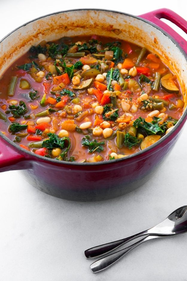 Best Kale Recipes - Kale and Quinoa Minestrone - Healthy Green Vegetable Cooking for Salads, Soup, Lunches, Stir Fry and Dinner - Kale Chips. Salad, Shredded, Cooked, Fresh and Sauteed Kale - Vegan, Vegetarian, Keto, Low Carb and Lowfat Recipe Ideas #kale #kalerecipes #vegetablerecipes #veggies #recipeideas #dinnerideas http://diyjoy.com/best-kale-recipes