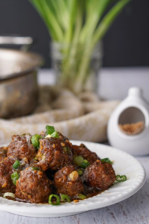 Best Recipes With Ground Beef - Low Carb Mongolian Beef Meatballs - Easy Dinners and Ground Beef Recipe Ideas - Quick Lunch Salads, Casseroles, Tacos, One Skillet Meals - Healthy Crockpot Foods With Hamburger Meat - Mexican Casserole, Instant Pot Carne Molida, Low Carb and Keto Diet - Rice, Pasta, Potatoes and Crescent Rolls #groundbeef #beefrecipes #beedrecipe #dinnerideas #dinnerrecipes http://diyjoy.com/best-recipes-ground-beef