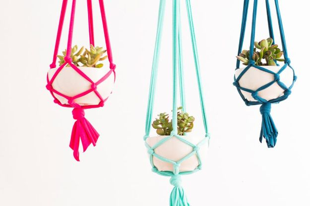 DIY Boho Decor Ideas - Macrame Hanging Planters - DIY Bedroom Ideas - Cheap Hippie Crafts and Bohemian Wall Art - Easy Upcycling Projects for Living Room, Bathroom, Kitchen #boho #diy #diydecor