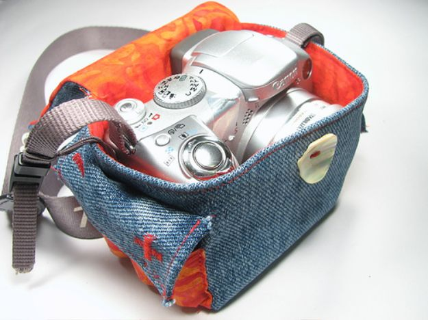 Blue Jean Upcycles - Make A Camera Cozy - Ways to Make Old Denim Jeans Into DIY Home Decor, Handmade Gifts and Creative Fashion - Transform Old Blue Jeans into Pillows, Rugs, Kitchen and Living Room Decor, Easy Sewing Projects for Beginners http://diyjoy.com/diy-blue-jeans-upcyle-ideas