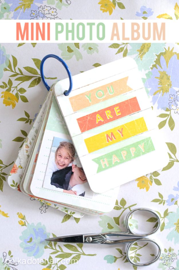 DIY Photo Albums - Mini Photo Album - Easy DIY Christmas Gifts for Grandparents, Friends, Him or Her, Mom and Dad - Creative Ideas for Making Wall Art and Home Decor With Photos