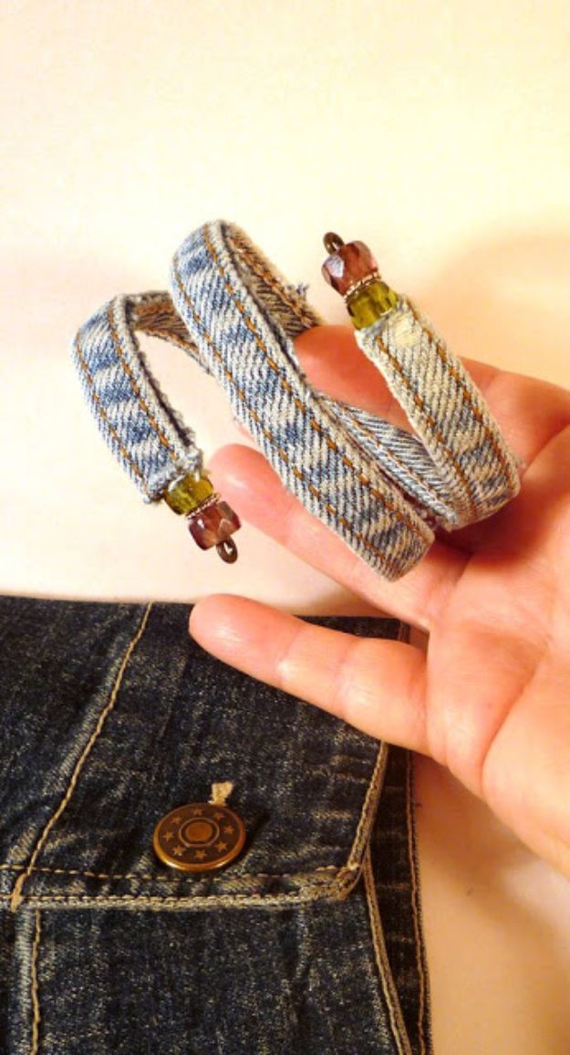 Blue Jean Upcycles - Old Jeans Bracelet - Ways to Make Old Denim Jeans Into DIY Home Decor, Handmade Gifts and Creative Fashion - Transform Old Blue Jeans into Pillows, Rugs, Kitchen and Living Room Decor, Easy Sewing Projects for Beginners http://diyjoy.com/diy-blue-jeans-upcyle-ideas