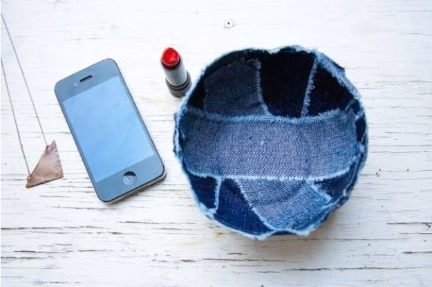 Blue Jean Upcycles - Patchwork Jean Bowl - Ways to Make Old Denim Jeans Into DIY Home Decor, Handmade Gifts and Creative Fashion - Transform Old Blue Jeans into Pillows, Rugs, Kitchen and Living Room Decor, Easy Sewing Projects for Beginners http://diyjoy.com/diy-blue-jeans-upcyle-ideas