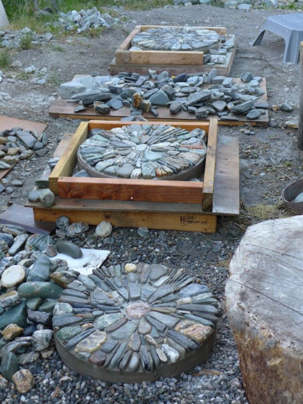 DIY Walkways - Pebble Mosaic Stepping Stone - Do It Yourself Walkway Ideas for Paths to The Front Door and Backyard - Cheap and Easy Pavers and Concrete Path and Stepping Stones - Wood and Edging, Lights, Backyard and Patio Walks With Gravel, Sand, Dirt and Brick http://diyjoy.com/diy-walkways