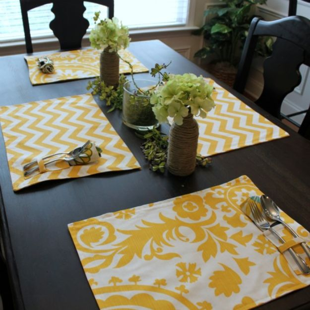 DIY Sewing Projects for the Home - Picnic Style Placemats - Easy DIY Christmas Gifts and Ideas for Making Kitchen, Bedroom and Bathroom Decor - Free Step by Step Tutorial to Sew