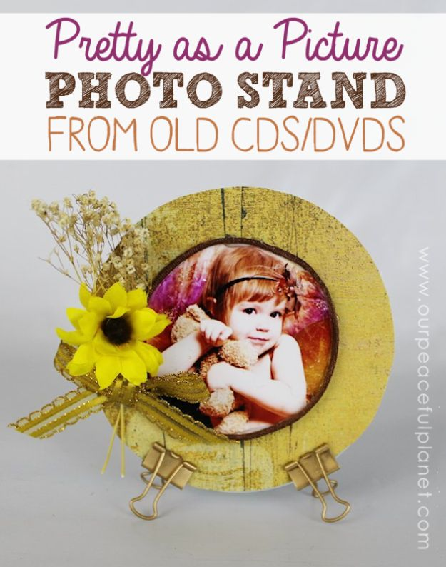 DIY Ideas With Old CD - Pretty As A Picture Photo Stand - Recycle Jewelry, Room Decoration Mosaic, Coasters, Garden Art and DIY Home Decor Using Broken DVD - Photo Album, Wall Art and Mirror - Cute and Easy DIY Gifts for Birthday and Christmas Holidays