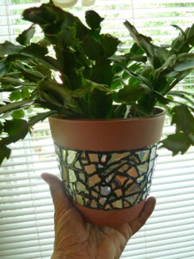 DIY Ideas With Old CD - Recycled CD Mosaic Flower Pot - Recycle Jewelry, Room Decoration Mosaic, Coasters, Garden Art and DIY Home Decor Using Broken DVD - Photo Album, Wall Art and Mirror - Cute and Easy DIY Gifts for Birthday and Christmas Holidays