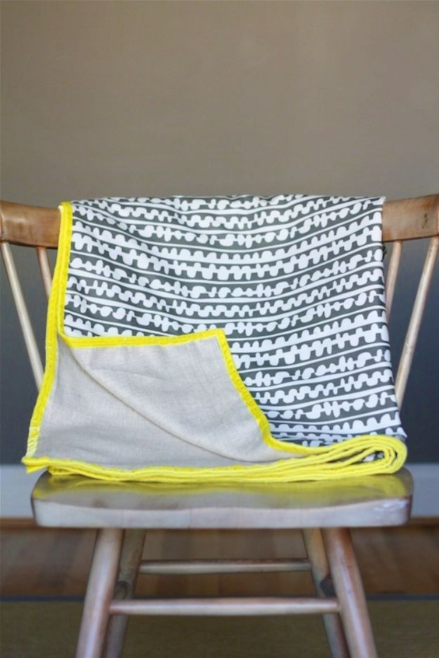 DIY Throw Blankets - Simple Fabric Throw - How to Make Easy Throws and Blanket - Fleece Fabrics, No Sew Tutorial, Crochet, Boho, Fur, Cotton, Flannel Ideas #diyideas #diydecor #diy