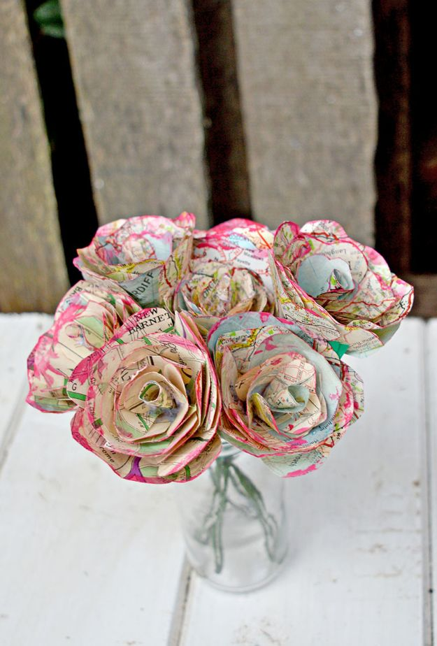 DIY Ideas With Maps - Simple but Beautiful Map Roses - Easy Crafts, Home Decor, Art and Gifts Your Can Make With A Map - Pinboard, Canvas, Painting, Paper Flowers, Signs Projects