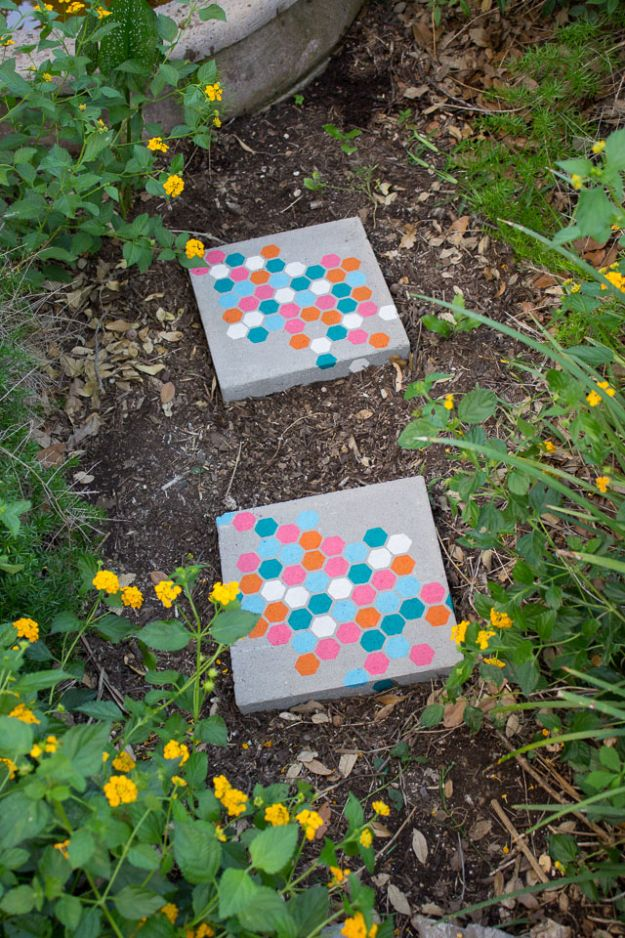 DIY Walkways - Stenciled Garden Stepping Stones - Do It Yourself Walkway Ideas for Paths to The Front Door and Backyard - Cheap and Easy Pavers and Concrete Path and Stepping Stones - Wood and Edging, Lights, Backyard and Patio Walks With Gravel, Sand, Dirt and Brick http://diyjoy.com/diy-walkways