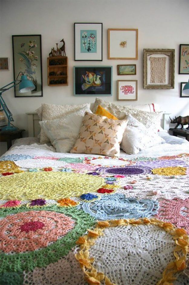 DIY Throw Blankets - Stitched Doilies - How to Make Easy Throws and Blanket - Fleece Fabrics, No Sew Tutorial, Crochet, Boho, Fur, Cotton, Flannel Ideas #diyideas #diydecor #diy