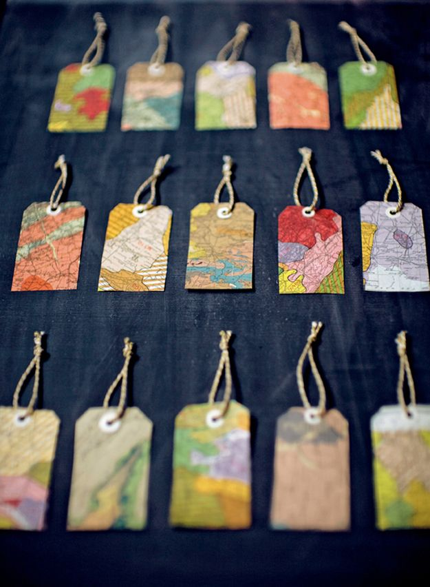 DIY Ideas With Maps - Tags From Old Maps - Easy Crafts, Home Decor, Art and Gifts Your Can Make With A Map - Pinboard, Canvas, Painting, Paper Flowers, Signs Projects