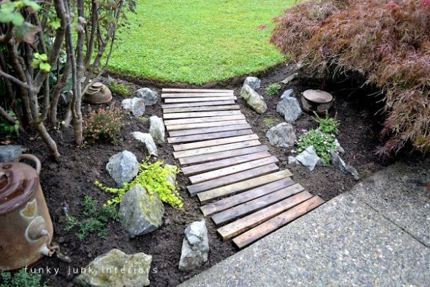 DIY Walkways - Wood Pallet Walkway - Do It Yourself Walkway Ideas for Paths to The Front Door and Backyard - Cheap and Easy Pavers and Concrete Path and Stepping Stones - Wood and Edging, Lights, Backyard and Patio Walks With Gravel, Sand, Dirt and Brick http://diyjoy.com/diy-walkways