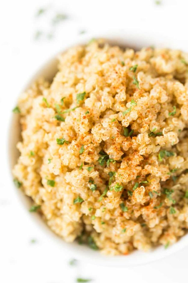 Easy Dinner Recipes - 5-Ingredient Garlic Butter Quinoa - Quick and Simple Dinner Recipe Ideas for Weeknight and Last Minute Supper - Chicken, Ground Beef, Fish, Pasta, Healthy Salads, Low Fat and Vegetarian Dishes - Easy Meals for the Family, for Two, for One and Cook Ahead Crockpoit Dinners - Cheap Casseroles and Budget Friendly Foods to Make at Home http://diyjoy.com/easy-dinner-recipes