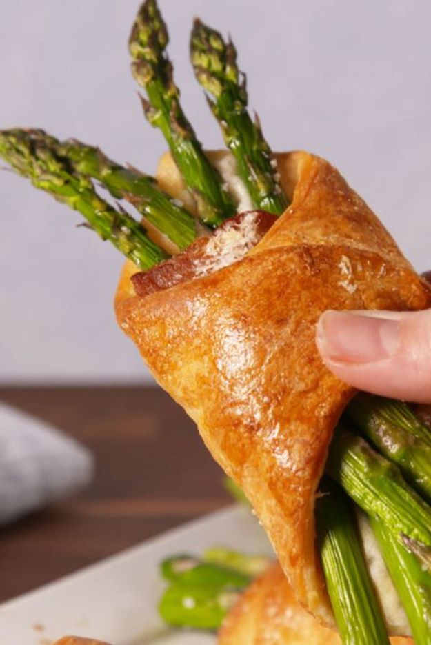 Asparagus Recipes - Bacon Asparagus Crescents - DIY Asparagus Recipe Ideas for Homemade Soups, Sides and Salads - Easy Tutorials for Roasted, Sauteed, Steamed, Baked, Grilled and Pureed Asparagus - Party Foods, Quick Dinners, Dishes With Cheese, Vegetarian and Vegan Options - Healthy Recipes With Step by Step Instructions http://diyjoy.com/asparagus-recipes