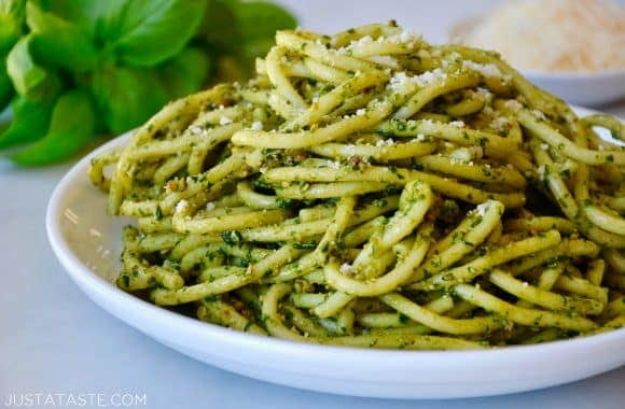 Best Pasta Recipes - Best Basil Pesto Pasta - Easy Pasta Recipe Ideas for Dinner, Lunch and Party Foods - Healthy and Easy Pastas With Shrimp, Beef, Chicken, Sausage, Tomato and Vegetarian - Creamy Alfredo, Marinara Red Sauce - Homemade Sauces and One Pot Meals for Quick Prep - Penne, Fettucini, Spaghetti, Ziti and Angel Hair http://diyjoy.com/pasta-recipes