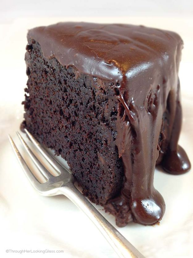Chocolate Desserts and Recipe Ideas - Brick Street Chocolate Cake - Easy Chocolate Recipes With Mint, Peanut Butter and Caramel - Quick No Bake Dessert Idea, Healthy Desserts, Cake, Brownies, Pie and Mousse - Best Fancy Chocolates to Serve for Two, A Crowd, and Simple Snacks http://diyjoy.com/chocolate-dessert-recipes